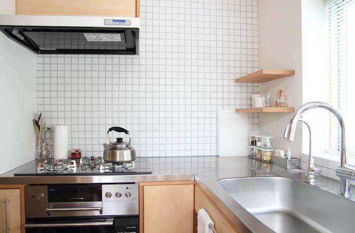 片付いたスッキリとしたキッチンの画像