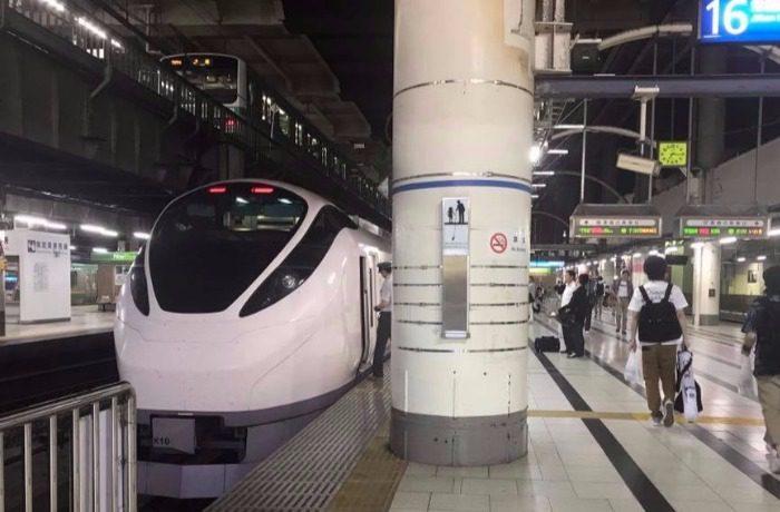水戸行きの列車
